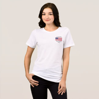 Camiseta O t-shirt das mulheres com uma bandeira americana