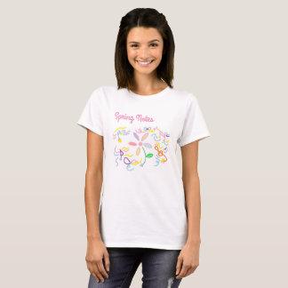 Camiseta O t-shirt das mulheres da nota e da flor