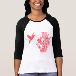 Camiseta O t-shirt das mulheres do colibri & da flor por