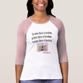 Camiseta O t-shirt de amante da cerveja e de vinho -