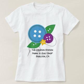 Camiseta O t-shirt do botão da estação da criação (versão