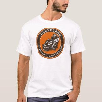 Camiseta O t-shirt do futebol da poltrona QB Cleveland
