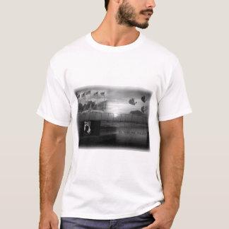 Camiseta O t-shirt do homem comemorativo de MIA do