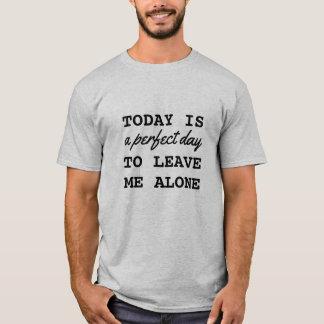 Camiseta O t-shirt dos homens engraçados introvertidos