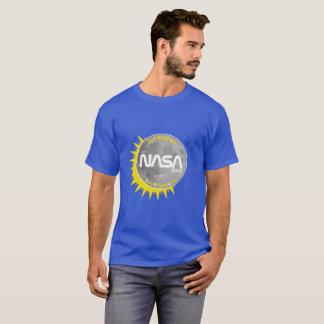 Camiseta O t-shirt dos homens superiores do eclipse solar
