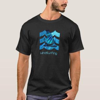 Camiseta O t-shirt dos homens Windsurfing