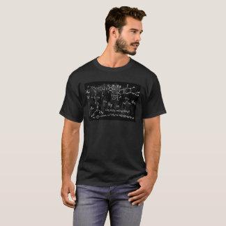 Camiseta O t-shirt escuro básico dos homens do design da