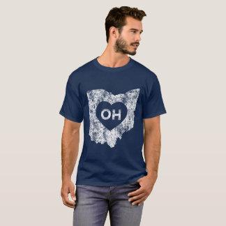 Camiseta O t-shirt escuro básico dos homens usados do