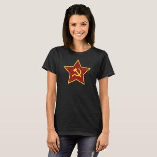 Camiseta O t-shirt vermelho das mulheres do martelo e da