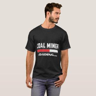 Camiseta O trabalhador da construção que carrega por favor