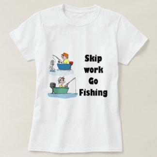 Camiseta o trabalho da faixa clara vai pescar a mercadoria