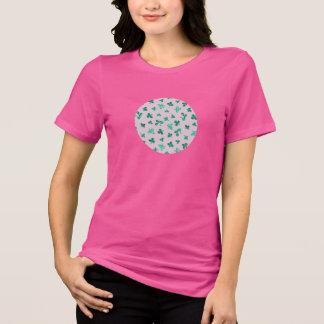 Camiseta O trevo sae do t-shirt apto relaxado das mulheres