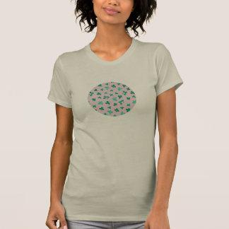 Camiseta O trevo sae do t-shirt do pescoço de grupo das