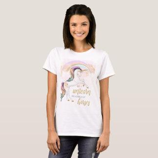 Camiseta O TShirt das mulheres do unicórnio do arco-íris