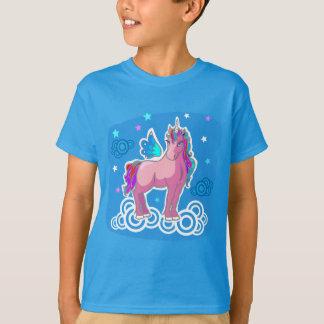 Camiseta O unicórnio bonito com arco-íris voa a ilustração