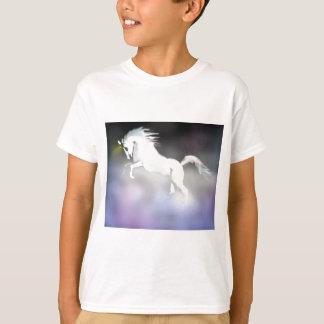 Camiseta O unicórnio na névoa