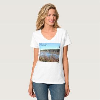 Camiseta O V das mulheres do santuário de pássaro do lago