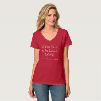 Camiseta O v-pescoço das mulheres - amor - vermelho