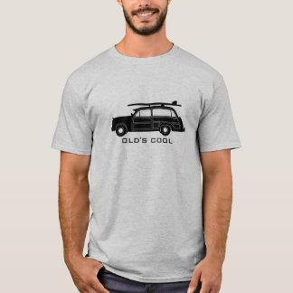 Camiseta O vagão arborizado do surf (preto) - velho esfria