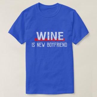 Camiseta O vinho é dia dos namorados engraçado do namorado