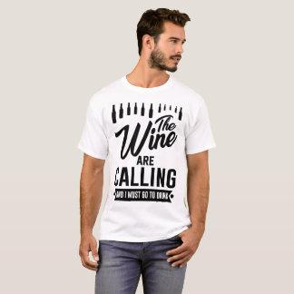 Camiseta o vinho está chamando e eu devo ir beber