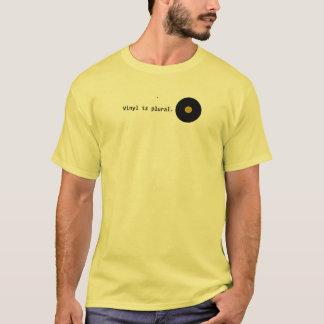 Camiseta O vinil é plural
