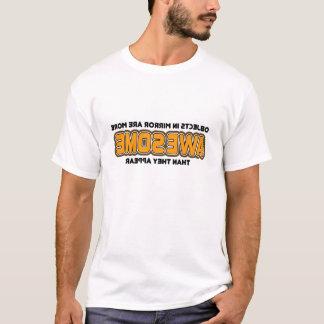 Camiseta Objetos no espelho mais impressionante do que