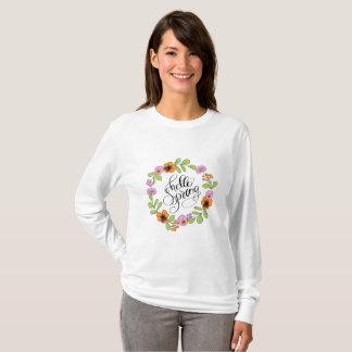 Camiseta Olá! primavera com grinalda floral