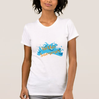 Camiseta Olá! verão, gráfico das ondas, branco legal