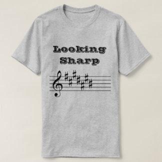 Camiseta Olhando o T afiado da banda