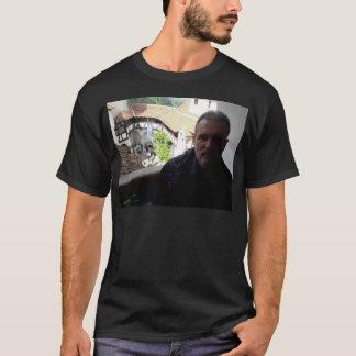 Camiseta Olhar interno no castelo do farelo. Dracula?