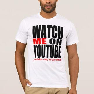 Camiseta Olhe-me em YouTube   modernos (escuro)