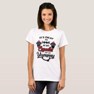 Camiseta Olhe meu t-shirt dos cupcakes