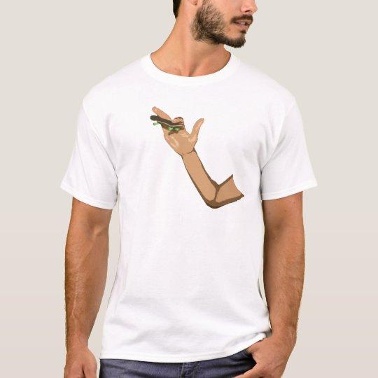 Camiseta ollie com fingerboard
