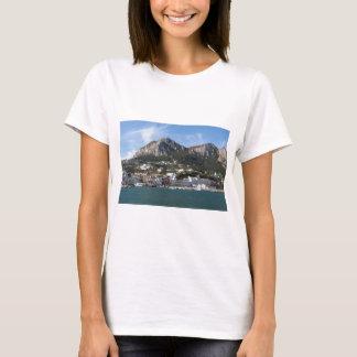 Camiseta Opinião panorâmico do mar de Capri da ilha
