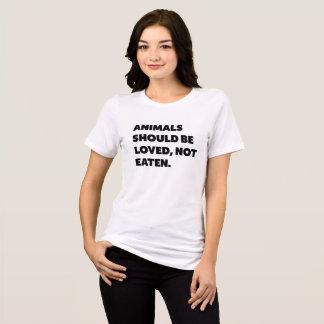 Camiseta os animais devem ser amados, não comido