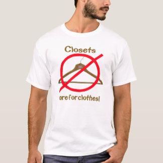 Camiseta Os armários são para a roupa