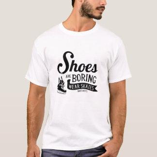Camiseta Os calçados dos skates do hóquei do desgaste estão