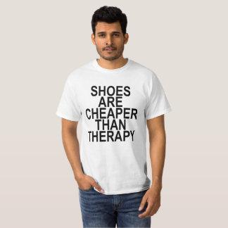 Camiseta Os calçados são mais baratos do que a terapia.