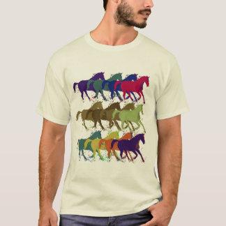 Camiseta os cavalos modelam, animais de fazenda