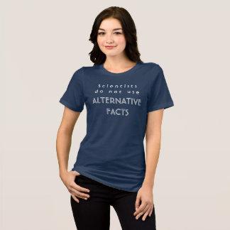 Camiseta Os cientistas não usam fatos alternativos - o T