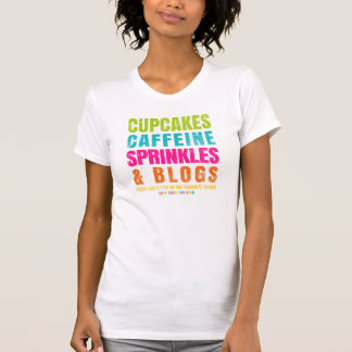 Camiseta Os cupcakes, cafeína, polvilham e blogues