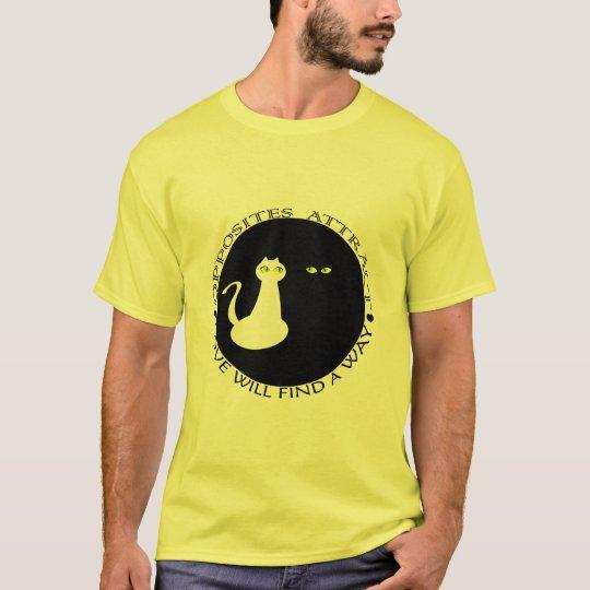 Camiseta Os gatos do amor refrigeram os opostos bonitos