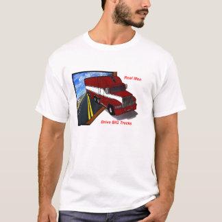 Camiseta os homens reais do camionista conduzem caminhões