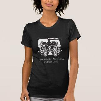 Camiseta Os oftalmologistas querem tomar um olhar mais