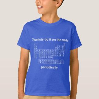 Camiseta Os químicos fazem-no na mesa periòdicamente