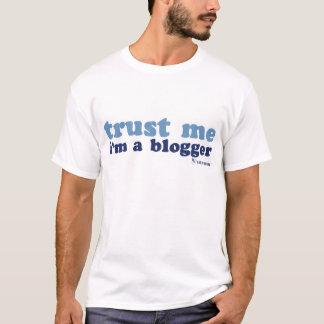 Camiseta Os t básicos dos homens (me confie)