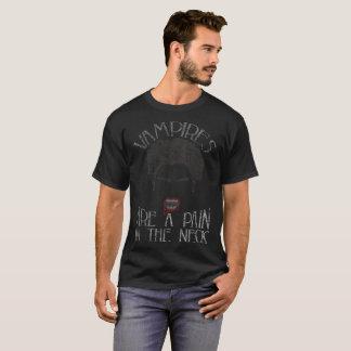 Camiseta Os vampiros são uma dor na aflição do Dia das