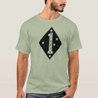 """Camiseta Os veterinários mal-humorados øs Civ Div """"aqui eu"""