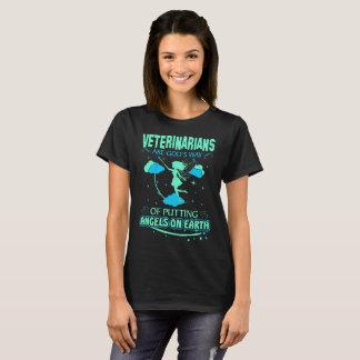 Camiseta Os veterinários são anjos dos deuses no Tshirt da